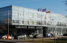 Stiebai-prie-sporto-centro