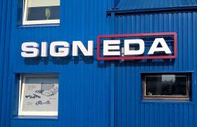 Illuminated letters Signeda